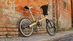 La bicicleta Carma, creada a partir de las piezas de un viejo coche. Imagen del proyecto.