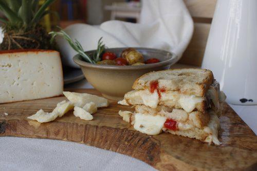 Sandwich con pan de masa madre